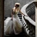 Девушка на лестнице